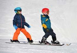 Comment bien habiller son enfant au ski